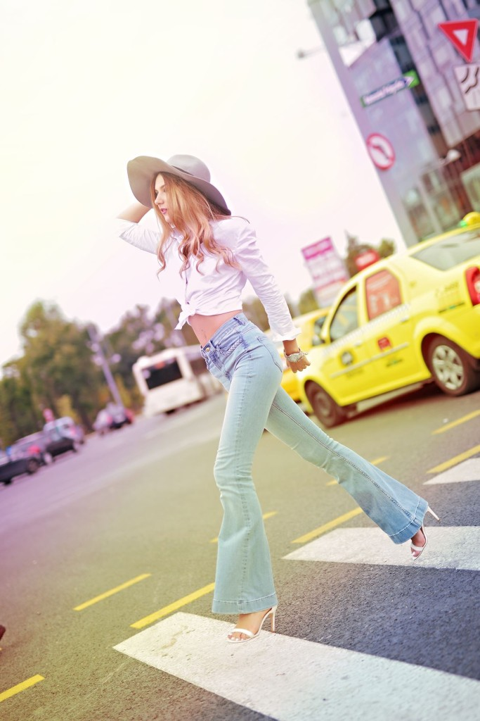 blue, jeans, cool, style, outfit, casual, chic, ootd, street style , stylish, AW, HM, hat, fashion blog, popular, fashion blogger, luana codreanu, the storyalist, beauty, make-up, MUA, street style photography, beautiful, blog, blogger, last minute couture, lana del rey.