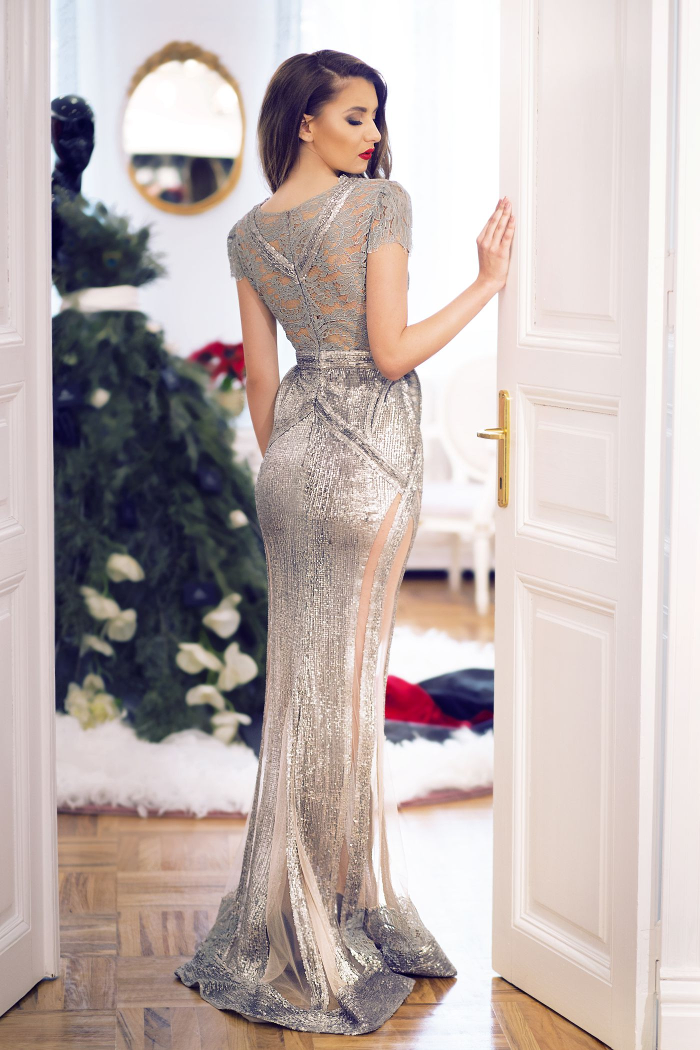 Cristallini, NYE, New Year's Eve,perfect dress, body shape, personality, dress code, length, gown dress, femme fatale, sophisticated, luxury, NYE dress, NYE 2016, Luana Codreanu, blog, blogger, fashion blog, fashion blogger, style, style blogger, hairstyle, makeup, ootd, outfit, street style, AW2015, trends, fashion, Talmaciu Claudiu, Andra Preda, make-up artist, photographer.