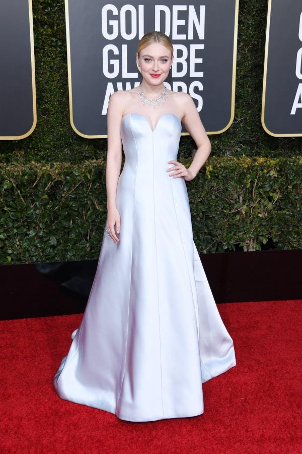 Dakota Fanning, Armani Privé, Golden Globes 2019, 76th edition, red carpet, best dressed, Hollywood,