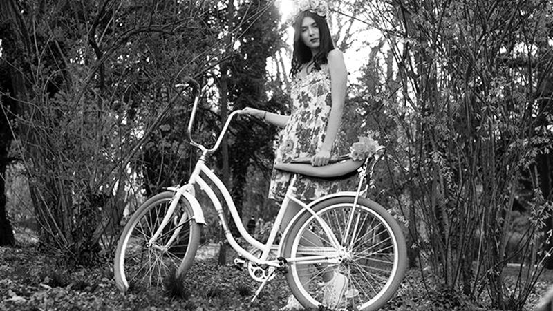 Pegas, Lachatterie, last minute couture, beauty, make up, MUA, hairstyle, flower headband, bicycle, pink, love, beautiful, model, fashion, style, stylish, ootd, girl, luana codreanu, fashion blog, fashion blogger, blog, blogger, lifestyle, story